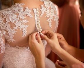 poročna obleka, poroka, poročni salon, poročni atelje