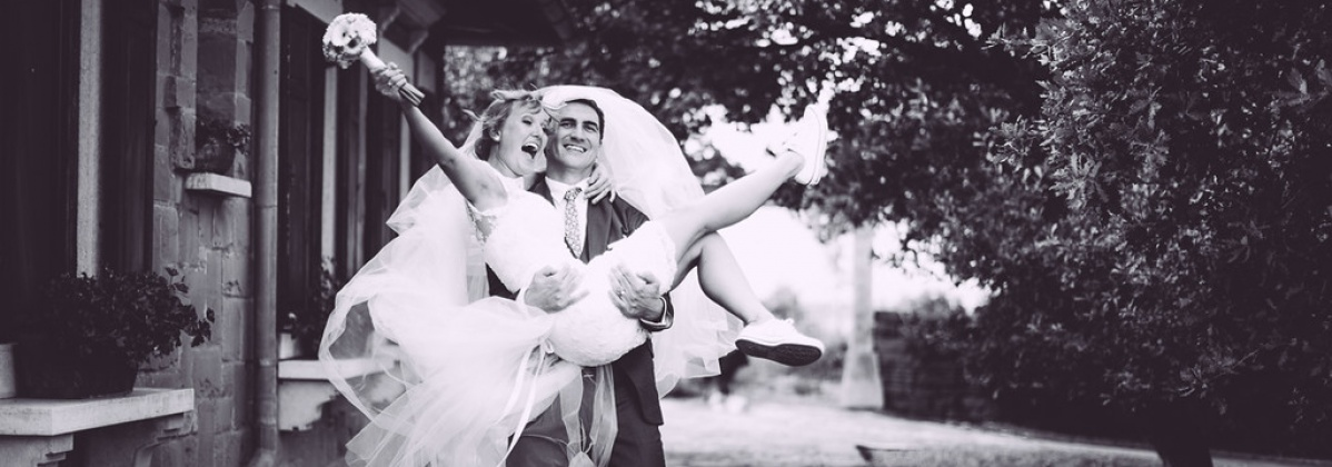poroka, zaobljuba, poročni par, poročni šopek, ženin, nevesta, poročna obleka