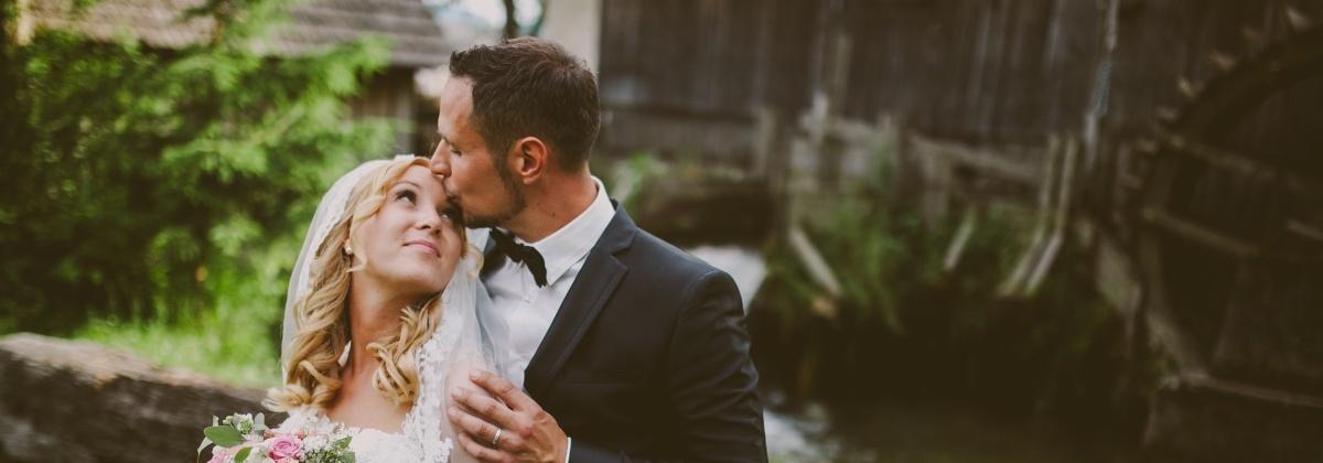 Neža in Primož Krajnc, poroka, poročni šopek, poročna obleka, poročni prstan